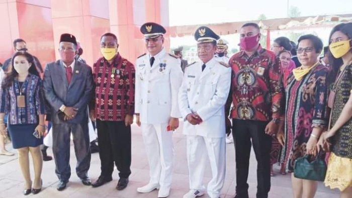 Leonardus Frediyanti Moat Lering, General Manager Kopdit Obor Mas bersama sejumlah pejabat dan mitra di Kabupaten Sikka