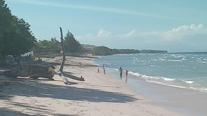 Inilah suasana obyek wisata Pantai Londa Lima di Kecamatan Kanatang, Kabupaten Sumba Timur