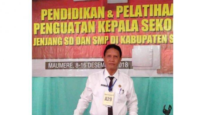 Biodata Pius Dakal Kepala Sekolah SMPN 3 Maumere Kabupaten Sikka