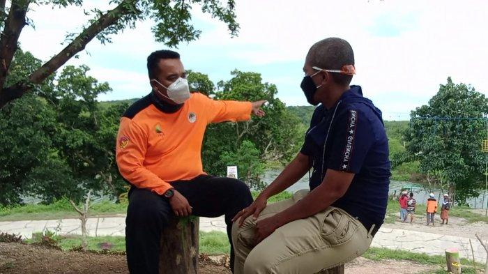 Petugas perwakilan KPH Kabupaten Kupang, Samuel Marganda Manurung, S.Hut di Lokasi Bendungan Raknamo, Kabupaten Kupang, Provinsi NTT