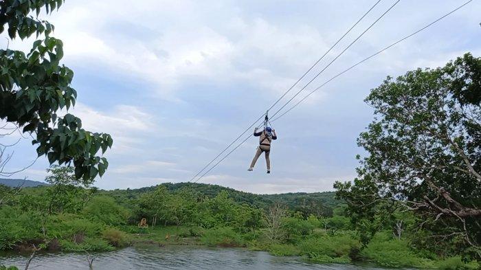 Wahana Flying Fox Nononeten di Lokasi Bendungan Raknamo, Kabupaten Kupang, Provinsi NTT