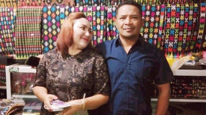 Kepala Dinas Ketahanan Pangan dan Perikanan Kabupaten Manggarai Barat, Provinsi NTT, Yeremias Otong bersama istrinya, Bonifasia Juniwati