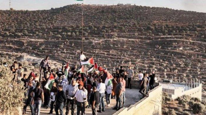 Kekerasan Pecah Setelah Palestina Berdemonstrasi Menentang Presiden Mahmoud Abbas