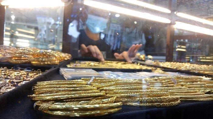 Harga Emas Antam Turun Rp 1.000 Pada Senin 5 Juli 2021 menjadi Rp 941.000 per gram
