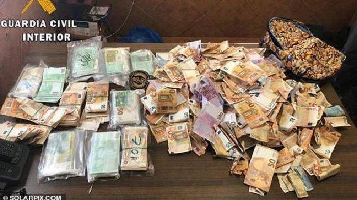 Pria Jeju Kaget Temukan Uang Rp 1,3 M Dalam Kulkas Bekas