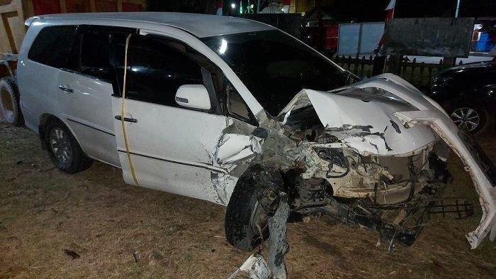 Seorang Ayah dan Bayinya Meninggal Dunia Setelah Bertabrakan Antar Mobil di Jalan Banda Aceh - Medan
