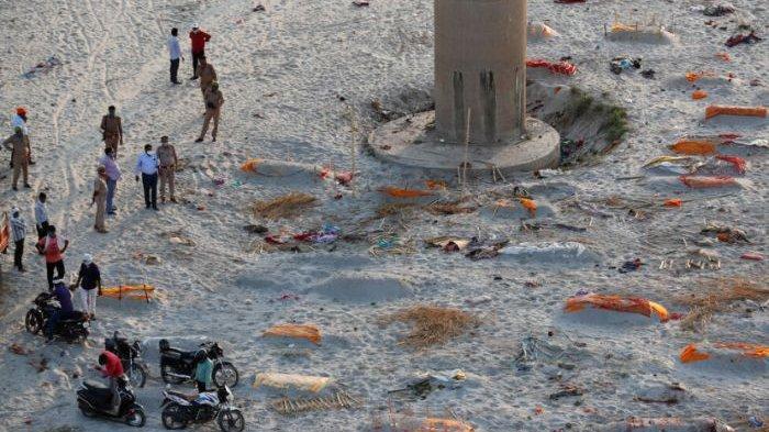 Ratusan Jenazah Mengambang di Sungai Gangga