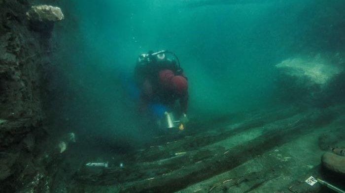 Kapal Zaman Mesir Kuno Ditemukan di Laut Mediterania