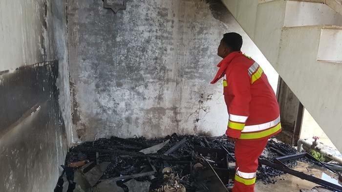 Diduga Karena Hubungan Arus Pendek, Gedung Kampus Psikologi UIN Terbakar, Lanta 1 Habis Terbakar