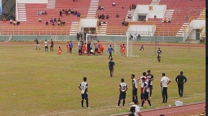 Aji Bayu, Kiper Persiraja Pingsan Saat Laga Ujicoba Melawan Tim PON Aceh