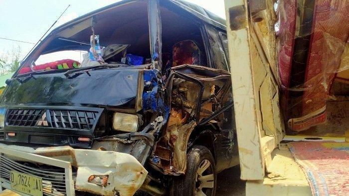 Tiga Mobil Tabrakan di Aceh Timur, Semuanya Ringsek Berat