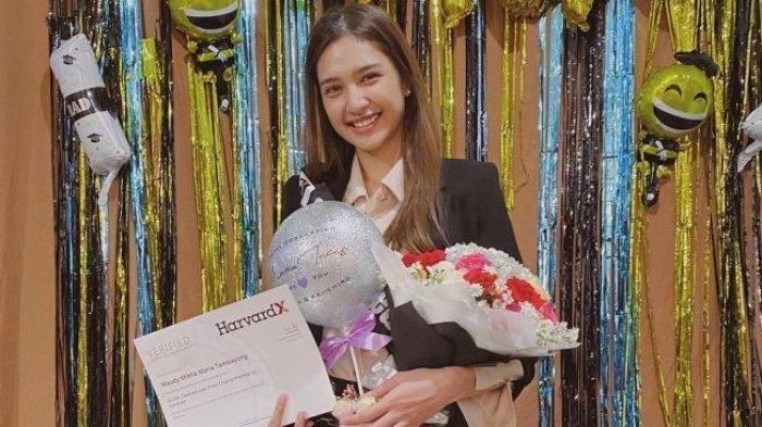 Mikha Tambayong, Lulus S2 di Harvard University Didedikasikan Untuk Sang Ibunda
