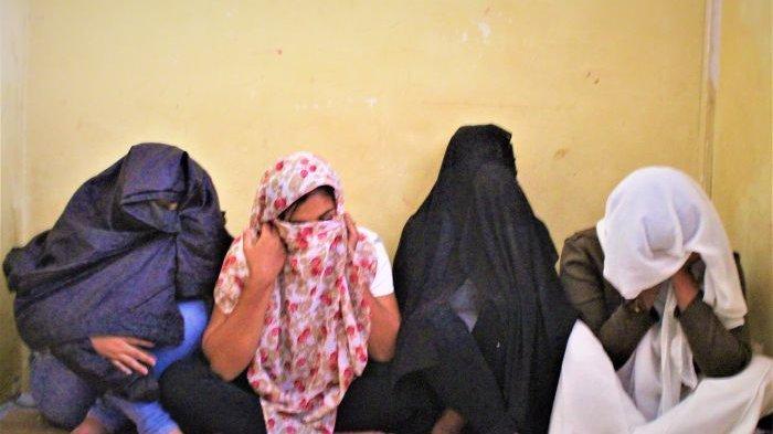 Petugas Tangkap Empat WTS di Meulaboh, Sering Di-booking Pekerja dari Luar Aceh