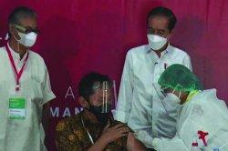 Efek Vaksin pada Wanita Lebih Buruk Dibanding Pria