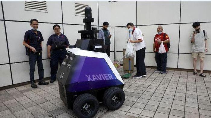 Singapura Kerahkan Robot Awasi Perilaku Penduduk