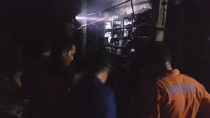 Toko Kelontong di Jalan Pabrik Es Langsa Terbakar