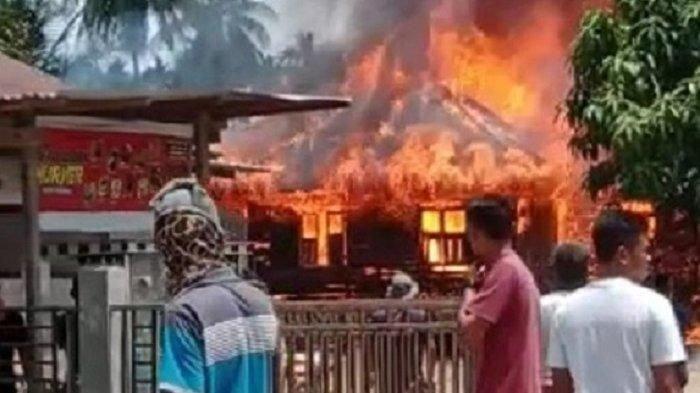 Satu Rumah di Padang Tiji Pidie Dilalap si Jago Merah, Juga Hanguskan Traktor