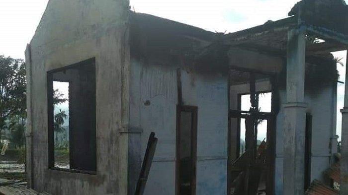 Dua Rumah di Agara Terbakar Jelang Subuh