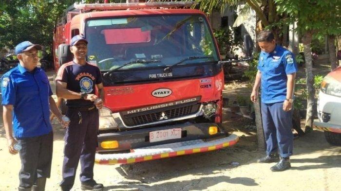 Mobil Damkar Tabrak Lembu Saat Menuju Lokasi Kebakaran