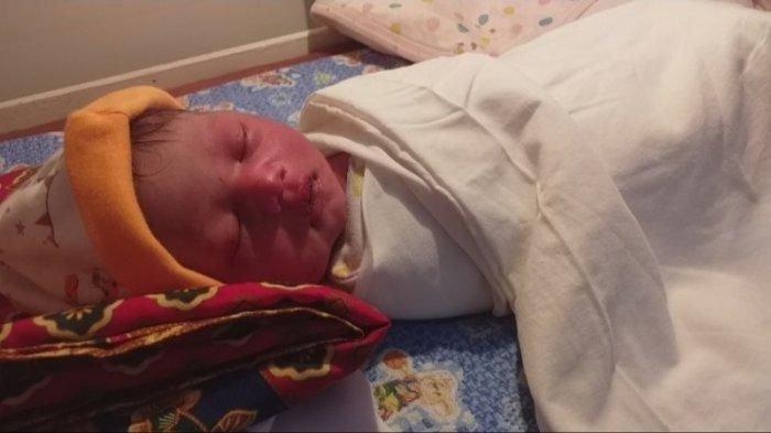 Bayi Dibuang di Semak, Warga Jeunieb Heboh