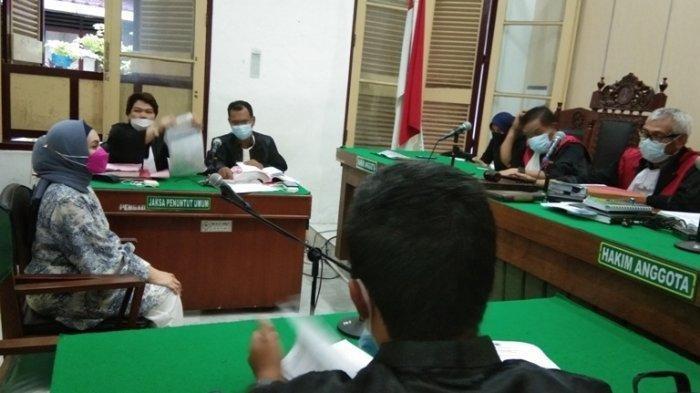 Terdakwa Siska Sari W Maulidhina dituntut dengan hukuman sepuluh tahun pidana penjara di Pengadilan Negeri Medan, Selasa (28/9/2021)