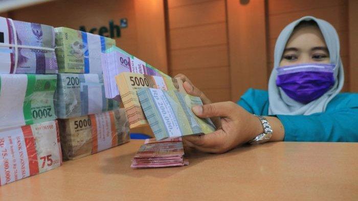 Stok Uang Pecahan Kecil di Bank Aceh Meulaboh Cukup untuk Hari Raya Idul Fitri - uang-pecahan-kecil-di-bank-aceh-meulaboh.jpg