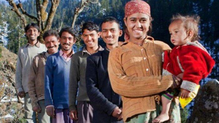 Wanita India Nikahi Lima Pria Bersaudara, Tiap Malam Digilir Para Suami