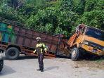 dua-truk-terlibat-tabrakan-setelah-mengalami-kerusakan-rem-blong-di-turunan-curam-lae-kombih.jpg