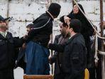 pria-yang-memperkosa-seorang-istri-di-depan-suaminya-di-eksekusi-hukuman-mati.jpg