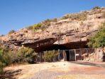 rumah-tertua-dalam-sejarah-peradaban-manusia-berusia-dua-juta-tahun-berada-di-afrika-selatan.jpg