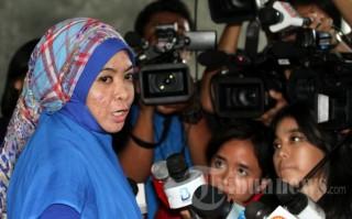 Staf Wa Ode Nurhayati Bersaksi untuk Fahd