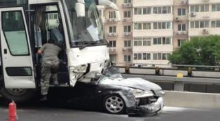 Ajaib, Pria Ini Selamat Setelah Dilindas Bus