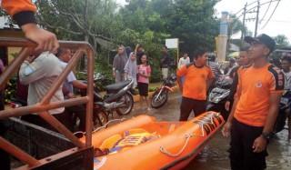 Di Kecamatan Langsa Lama, Ibu Baru Melahirkan Selamat dari Kepungan Banjir