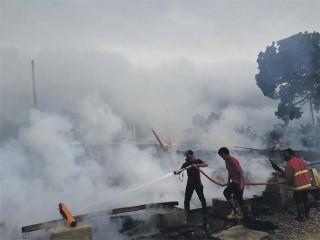 Kebakaran Haguskan 14 Rangkang di Pasantren