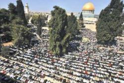 220.000 Muslim Shalat Jumat Pertama Ramadhan di Al-Aqsha