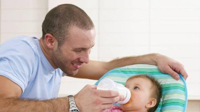 Si Ayah Juga Bisa Lakukan Babysitting
