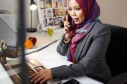 Inilah Syarat Wanita Halal Bekerja di Luar Rumah