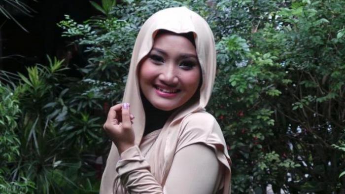 Fatin Sempat Ragu Kenakan Hijab