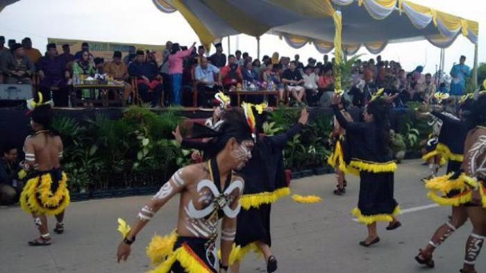 Festival Erau Dibuka dengan Kirab Budaya
