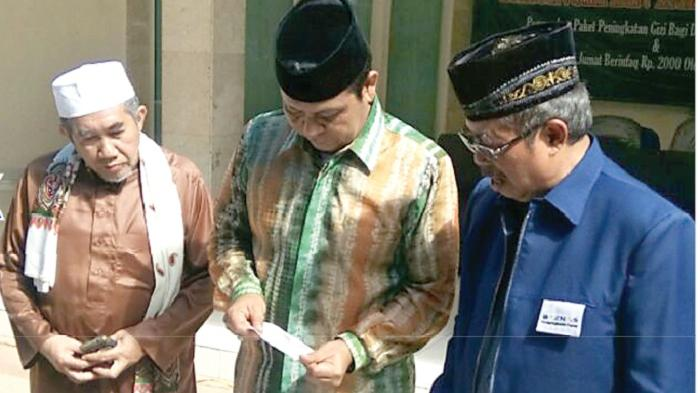 Gubernur Kalsel H Sahbirin Gelorakan Semangat Jumat Berinfak