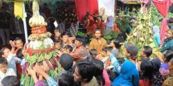 Gunungan dan Ketupat Brongkos, Tradisi Sambut Ramadan