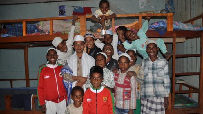 Di Papua, Hampir Setiap Hari Ada Warga yang Memeluk Islam