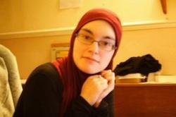 """""""Hari Hijab Sedunia"""" Membawa Seorang Gadis Inggris Memeluk Islam"""