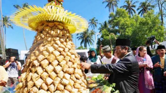 Ada `Lebaran Topat` di Lombok