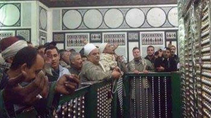 Cegah Syiah, Kementrian Wakaf Mesir Tutup Makam Imam Hussein