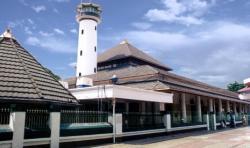 Tradisi Maleman di Masjid Agung Sunan Ampel