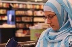 Diajari Benci terhadap Islam sedari Kecil, Tina Malah Jadi Muslimah