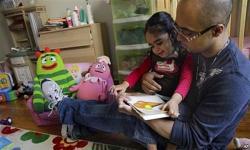 Orangtua Disarankan untuk 'Membaca Keras' kepada Bayinya