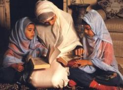 4 Syarat Keluarga Calon Penghuni Surga