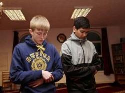 Gereja Diambang Kepunahan, Muslim Berkembang Pesat di Inggris